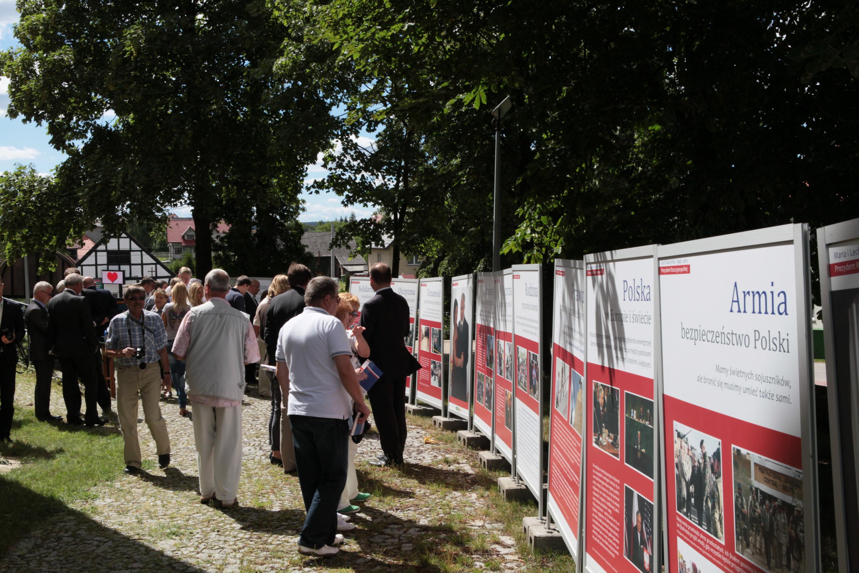 Otwarcie wystawy w Łęgowie - fot. M. Cabaj