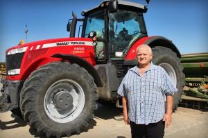 Tadeusz Łukaszewicz dysponuje najnowocześniejszym sprzętem rolniczym. Wkrótce jego gospodarstwo zasili nowy ciągnik – nagroda główna w konkursie