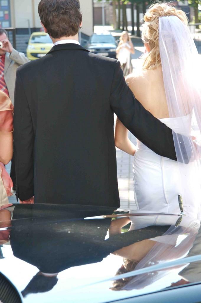 Przybywa mężczyzn szyjących garnitury na miarę